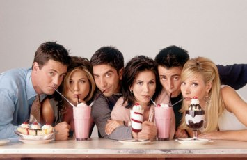 Left to Right: Chandler (Matthew Perry), Rachel (Jennifer Aniston), Ross (David Schwimmer), Monica (Courtney Cox), Joey (Matt LeBlanc), Phoebe (Lisa Kudrow)